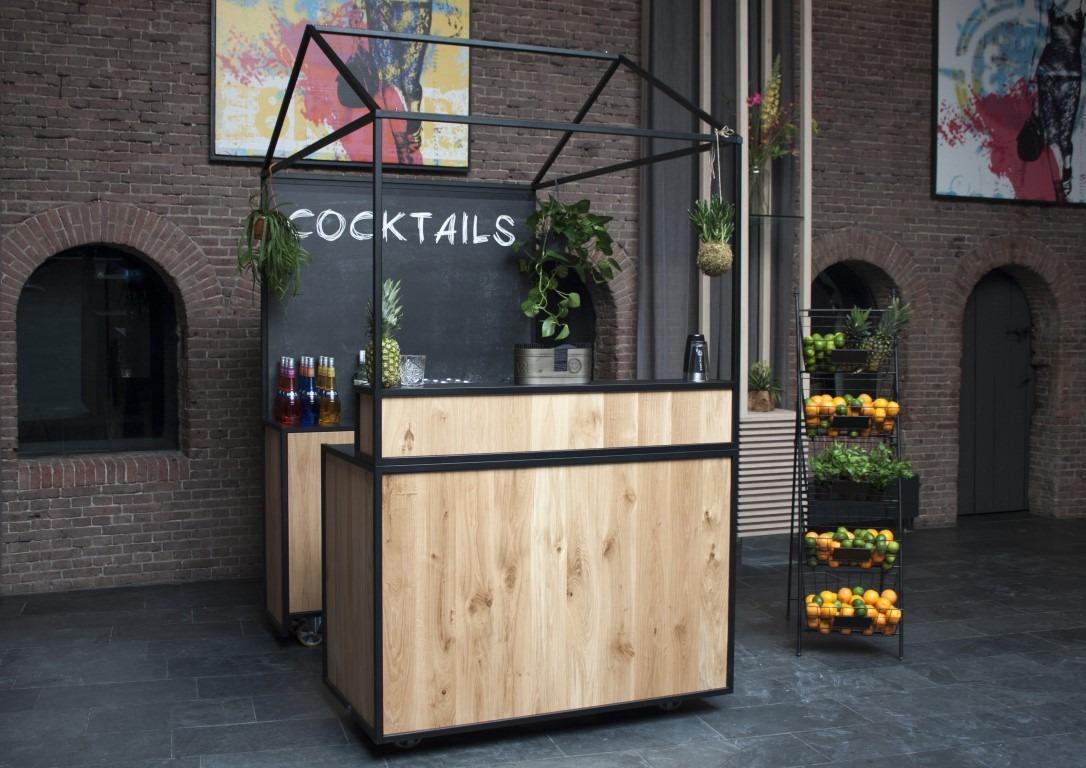 Wat Kost Een Cocktailbar Met Cocktailshaker Huren Voor Jouw Feest