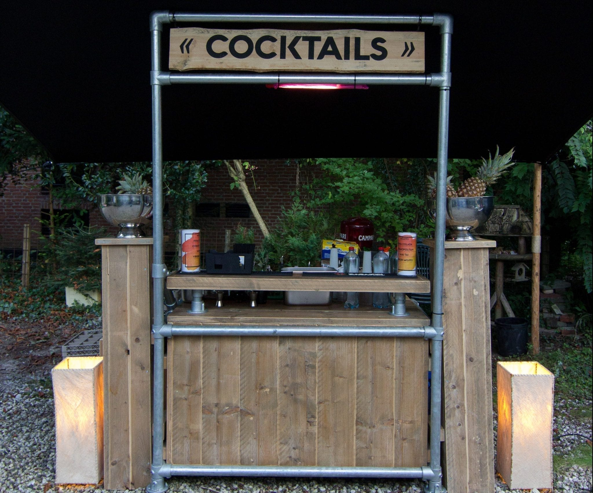 Steigerhouten cocktailbar