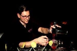 bartender inhuren voor je feest doe je bij Bar Company