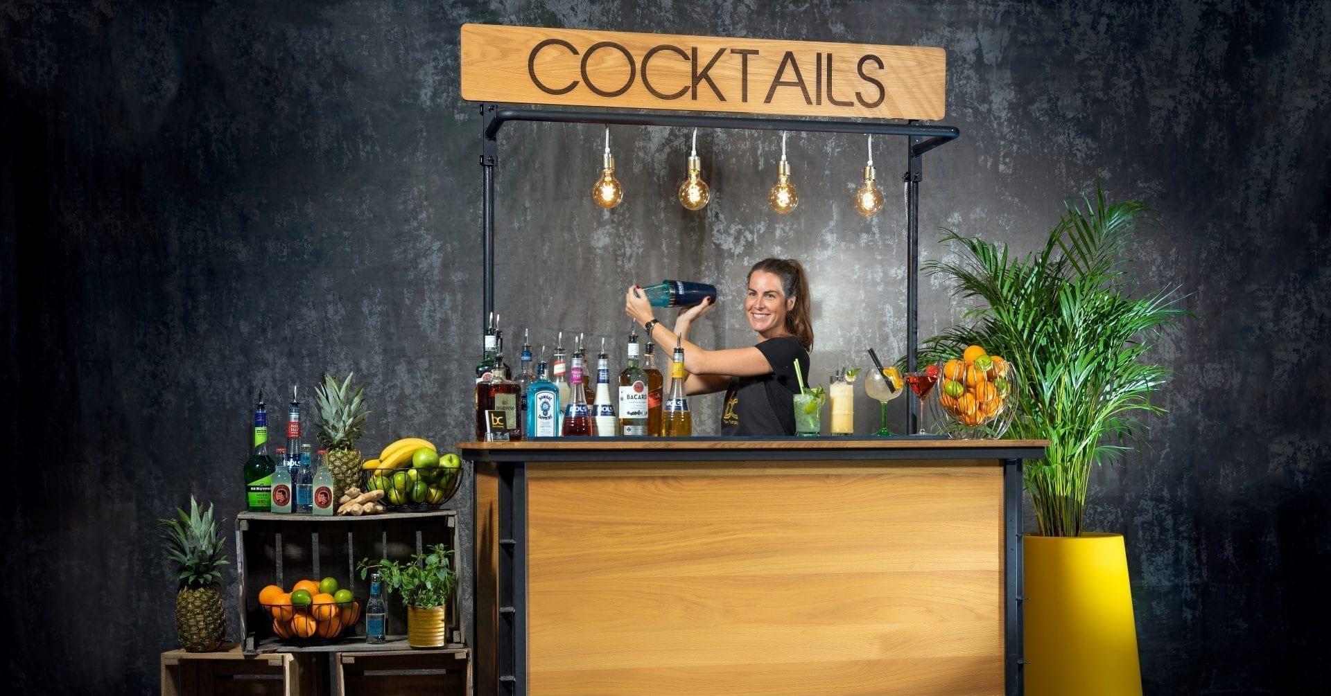 Een Cocktailshaker Huren Voor Jouw Feest Met Of Zonder Cocktailbar