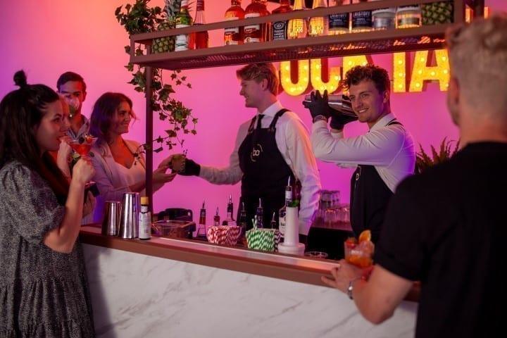 Cocktailbar huren op je feest - Bar Company