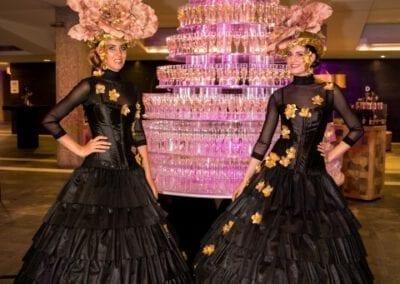 De champagne dames van Bar Company