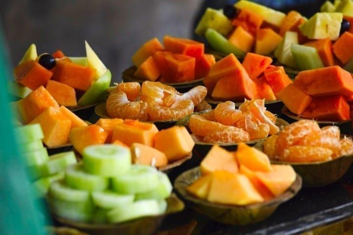 Fruitbar huren op locatie voor bakjes vers gesneden fruit - Bar Company