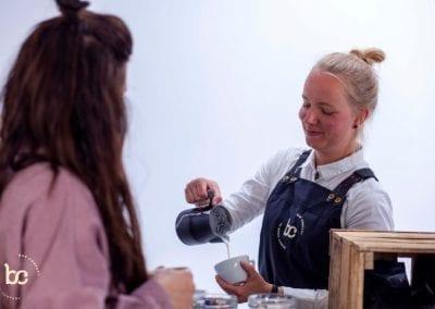 Barista met koffie inhuren op de beursstand - Bar Company