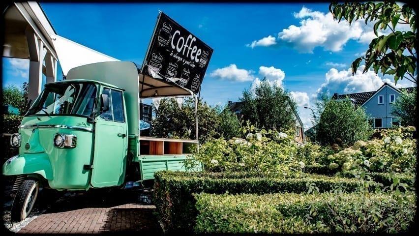 Een echte barista met koffiebar huren op je bruiloft - Bar Company