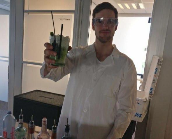 Rokende cocktails met CO2 droogijs - Bar Company