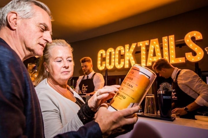 Cocktail sign - Bar Company